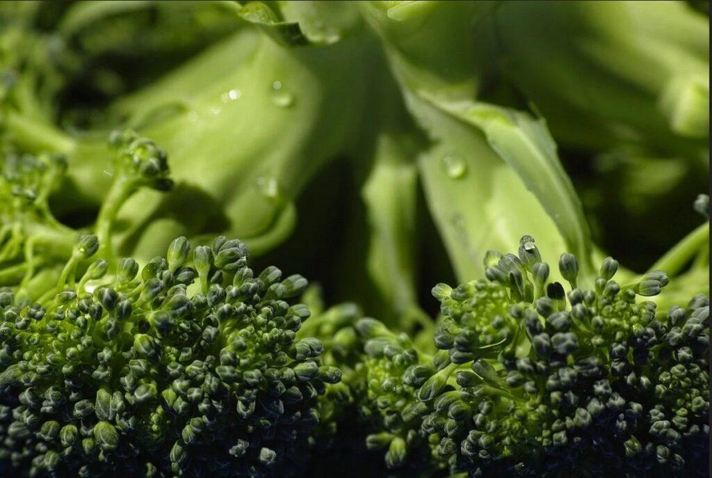 Jak długo gotować brokuły?