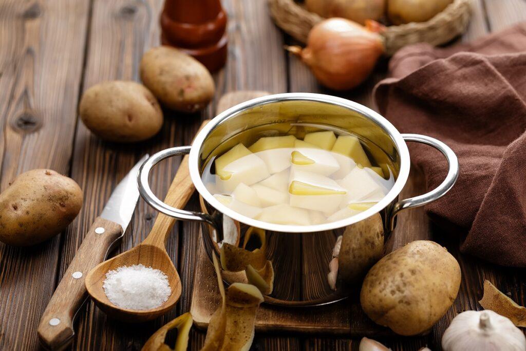 Jak długo gotować ziemniaki?