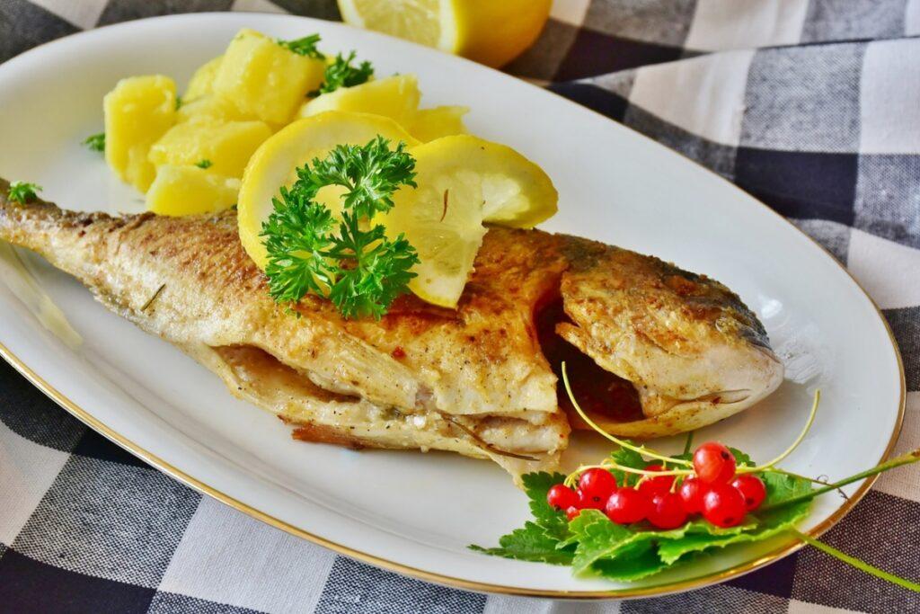 Jak długo piec rybę w piekarniku?