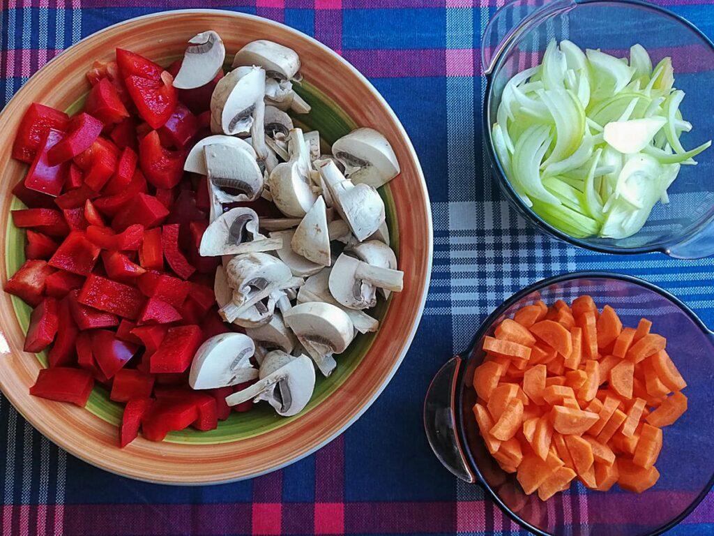 Przepis na gulasz po węgiersku składniki