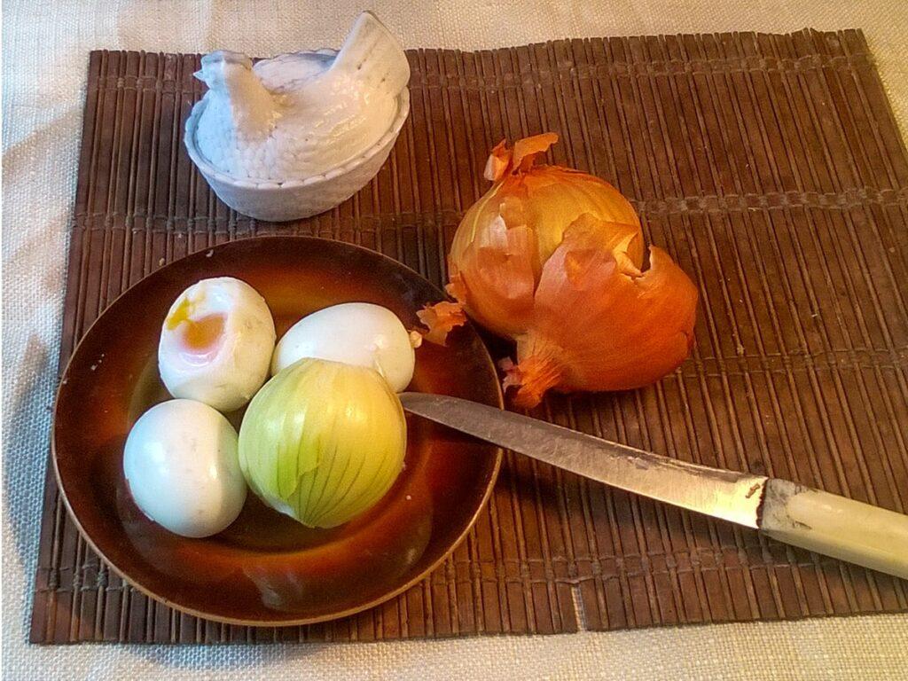 Przepis na sałatkę jarzynową z majonezem cebula
